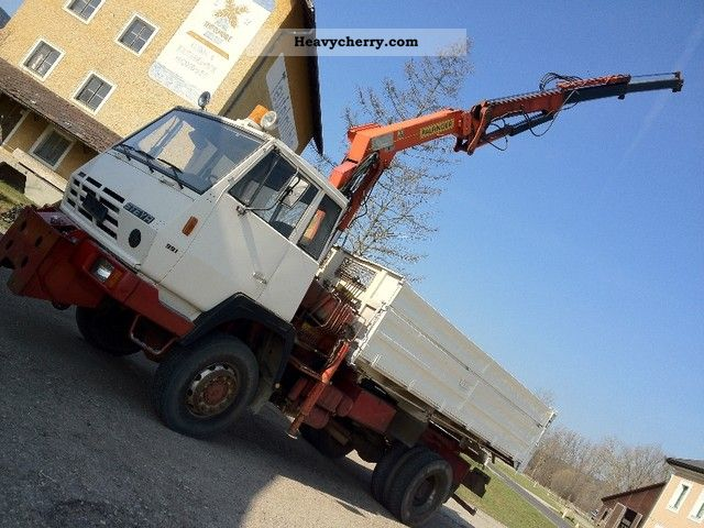 1981 Steyr  9.91 4X4 WHEEL TRUCK + CRANE PK 8200 AT DOC Truck over 7.5t Tipper photo