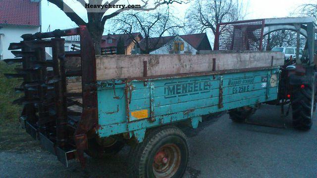 1973 Mengele  Double-trump Agricultural vehicle Fertilizer spreader photo