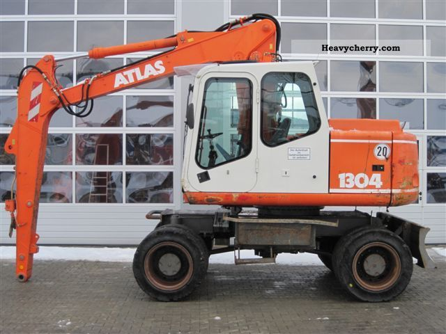 2001 Atlas  1304M Construction machine Mobile digger photo
