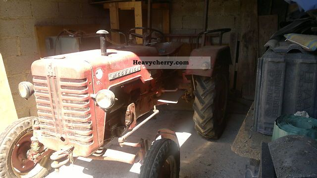 1964 McCormick  D19 Agricultural vehicle Tractor photo