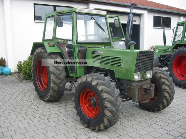 2011 Fendt  108 LS-wheel Agricultural vehicle Tractor photo