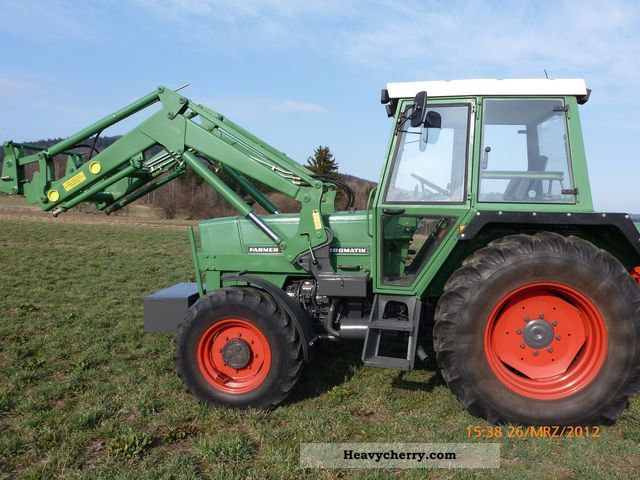 1984 Fendt  304 LSA Agricultural vehicle Tractor photo