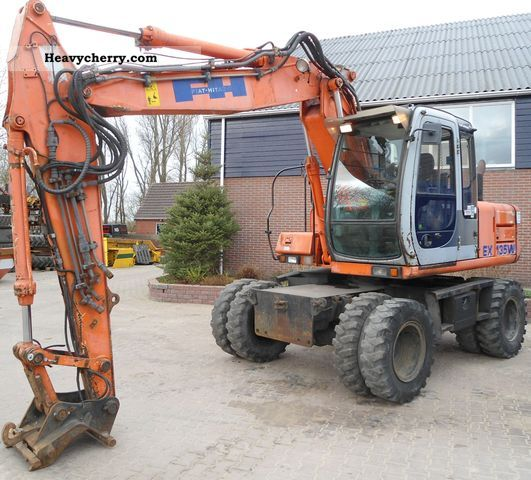 2000 Hitachi  ex 135 Construction machine Mobile digger photo