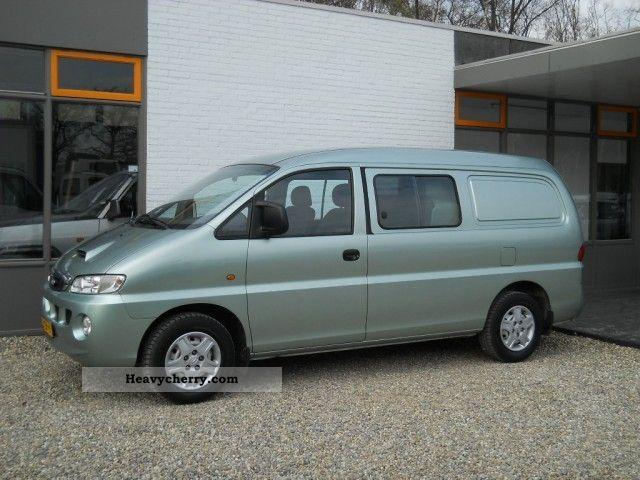 2004 Hyundai  H 200 2.5 tdi 101 ps 5 seats, metallic truck Van or truck up to 7.5t Box-type delivery van - long photo