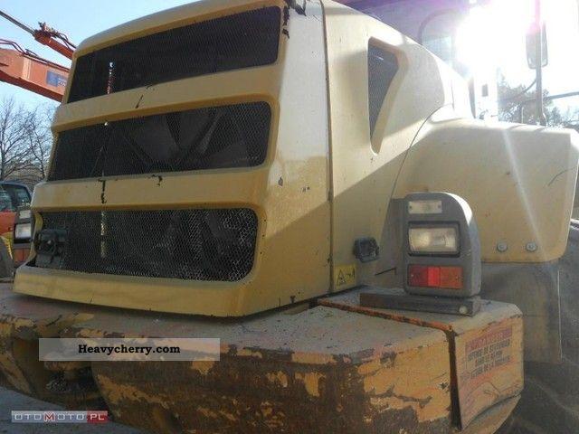 2004 Kobelco  Fiat W271 Construction machine Wheeled loader photo