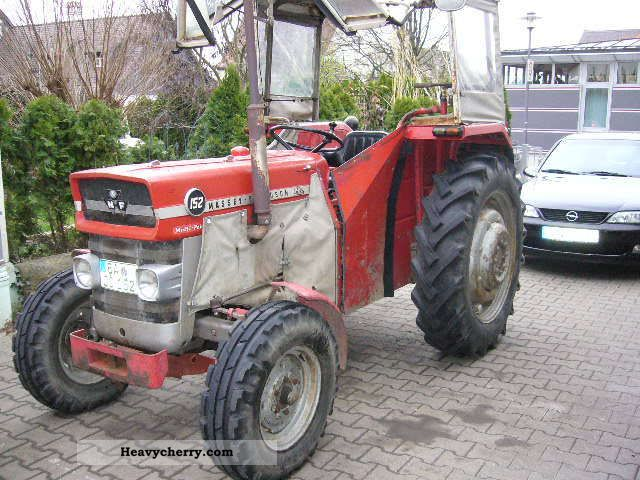 massey ferguson 152 1975 agricultural tractor photo and specs. Black Bedroom Furniture Sets. Home Design Ideas