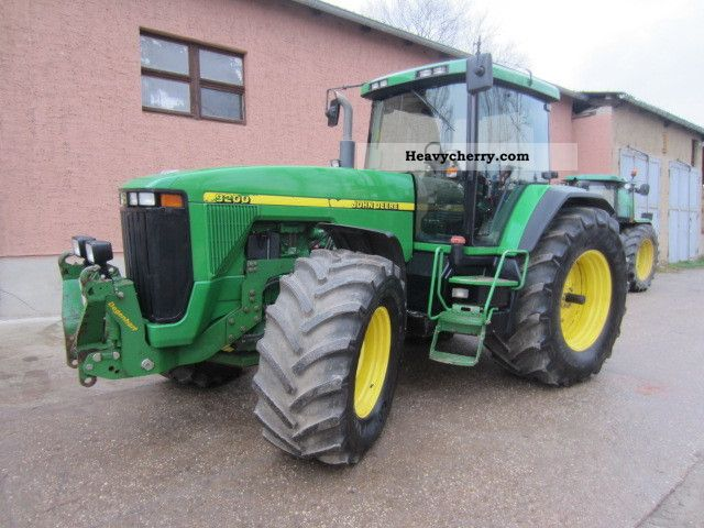 1999 John Deere  Power Shift 8200 Agricultural vehicle Tractor photo