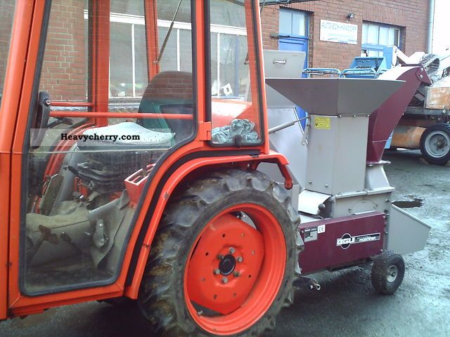 1996 Kubota  B 2150 D Agricultural vehicle Tractor photo