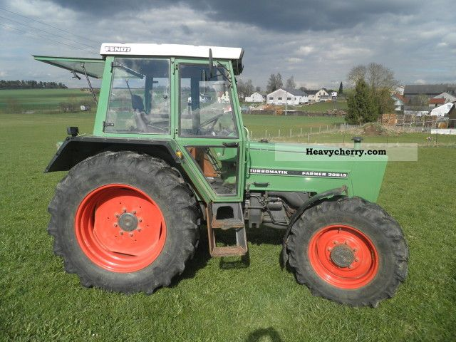 1983 Fendt  Farmer 305 LSA Agricultural vehicle Tractor photo