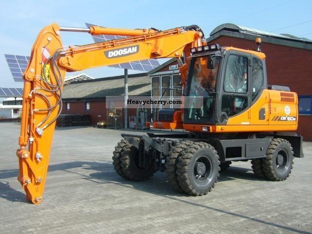 2012 Doosan  DX 160 W Neumaschine Construction machine Mobile digger photo