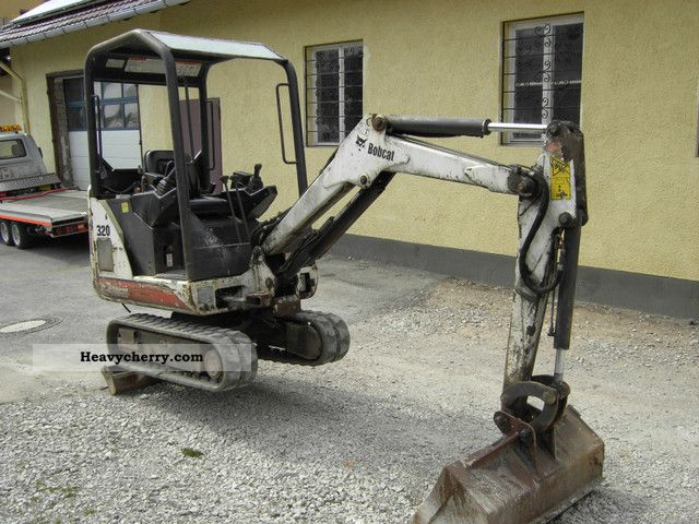 2004 Bobcat  320 Construction machine Mini/Kompact-digger photo