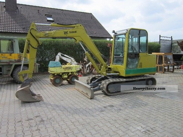 1999 Bobcat  337 Construction machine Mini/Kompact-digger photo