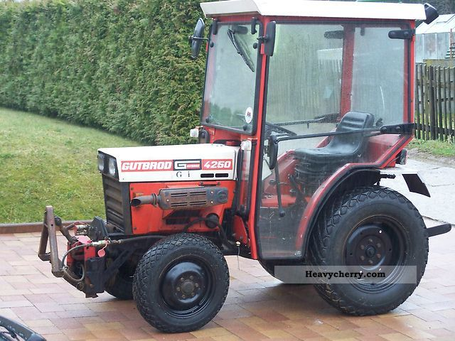 1991 Gutbrod  4250 DA-wheel snow plow Agricultural vehicle Tractor photo