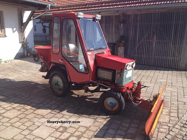 1975 Gutbrod  Komunaltraktor Agricultural vehicle Tractor photo