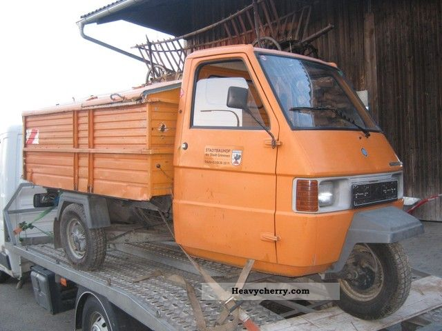 piaggio ape tm 1998 tipper truck photo and specs. Black Bedroom Furniture Sets. Home Design Ideas