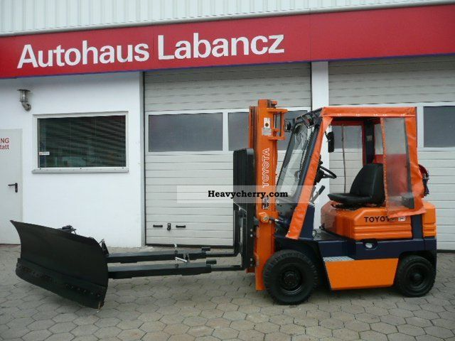 2011 Toyota  FG.18 Snow \u0026 side shift. 3000 hrs Forklift truck Front-mounted forklift truck photo