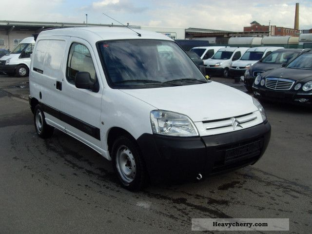 2004 Citroen  Citroen Berlingo 1.9 D.KLIMA. Van or truck up to 7.5t Box-type delivery van photo
