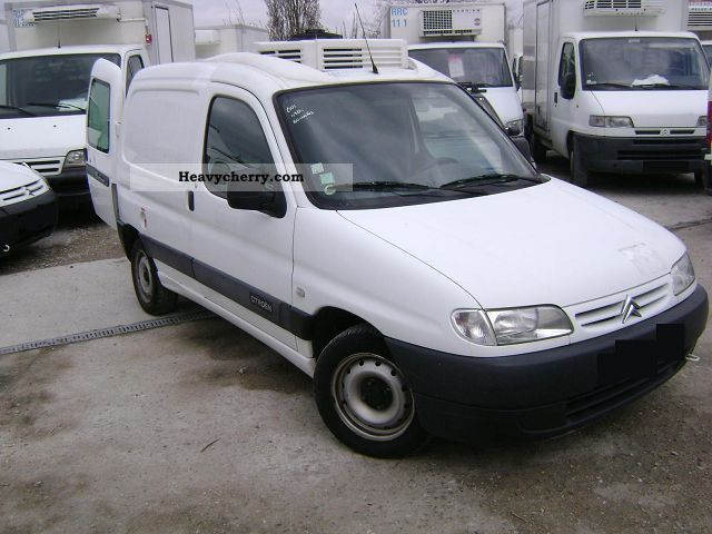 citroen citro n berlingo 1 9 d frigorifique fourgon 2001 refrigerator box truck photo and specs. Black Bedroom Furniture Sets. Home Design Ideas