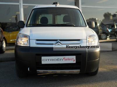 2009 Citroen  Citroen 1.6 HDi Citroën BERLINGO FIRST 75 de 200 Van or truck up to 7.5t Box-type delivery van photo