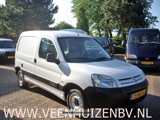 citroen citroen berlingo 1 9d 2006 box type delivery van photo and specs. Black Bedroom Furniture Sets. Home Design Ideas