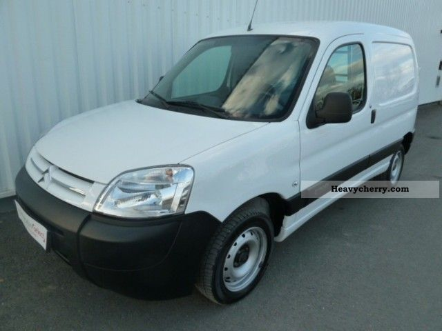 2010 Citroen  Citroen Berlingo 600kg Fgtte HDi75 First Van or truck up to 7.5t Box-type delivery van photo