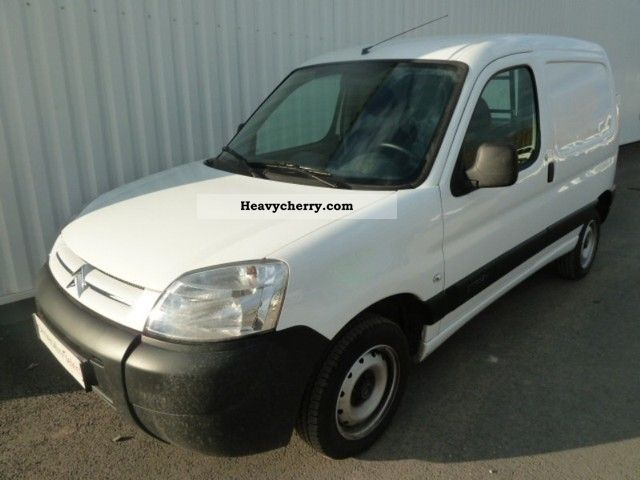 2011 Citroen  Citroen Berlingo 600kg Fgtte HDi75 First Van or truck up to 7.5t Box-type delivery van photo