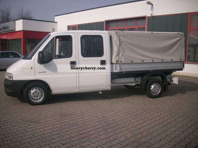 2004 Citroen  Citroen Jumper 2.8 HDI 33 L Doka 94 KW Van or truck up to 7.5t Stake body photo