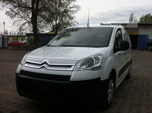 2009 Citroen  Citroen Berlingo Van or truck up to 7.5t Box-type delivery van photo