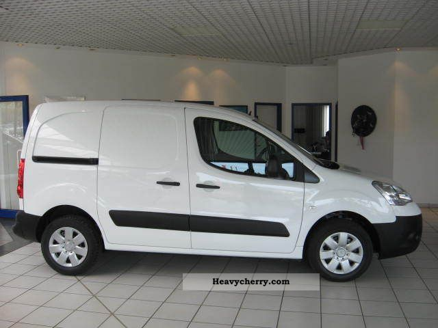 2011 Citroen  Citroen Berlingo 1.6 HDI FAP-90 Van or truck up to 7.5t Box-type delivery van photo