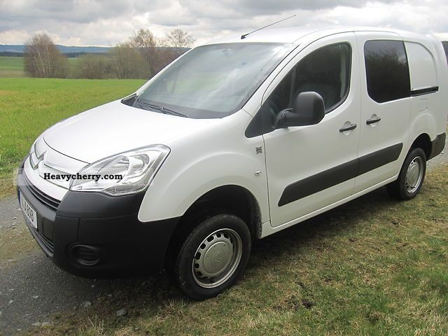2011 Citroen  Citroen Berlingo dual cab four-wheel Van or truck up to 7.5t Box-type delivery van photo