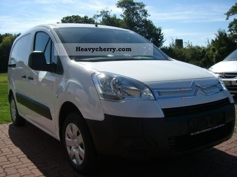 2011 Citroen  Citroen Berlingo 1.6eHDi 90 FAP NivBL1 Van or truck up to 7.5t Box-type delivery van photo