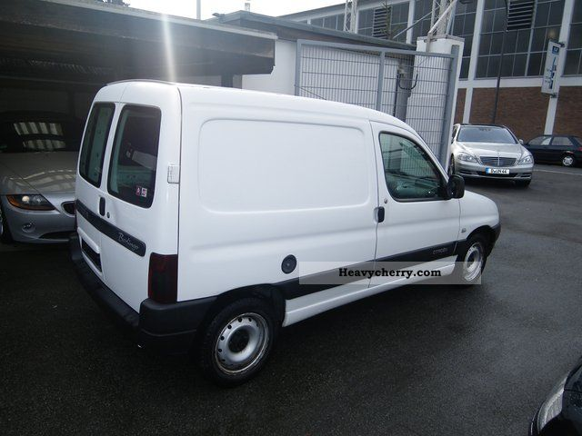 citroen citroen berlingo 1 9 d 2002 box type delivery van photo and specs. Black Bedroom Furniture Sets. Home Design Ideas
