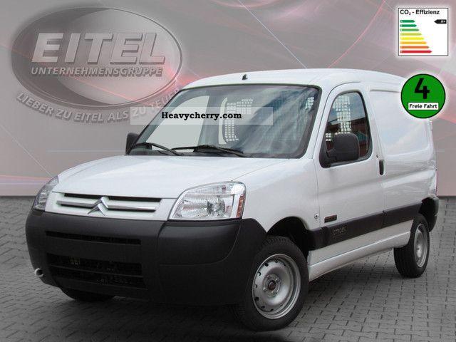 2011 Citroen  Citroen Berlingo First Electric Van or truck up to 7.5t Box-type delivery van photo