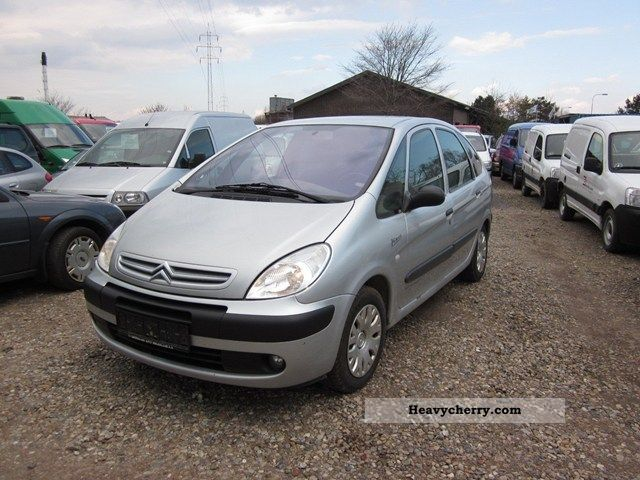 citroen citroen xsara picasso 2 0 hdi sx comfort 2004 other vans trucks up to 7 photo and specs. Black Bedroom Furniture Sets. Home Design Ideas