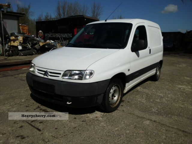 2001 Citroen  Citroen Berlingo Van or truck up to 7.5t Box-type delivery van photo