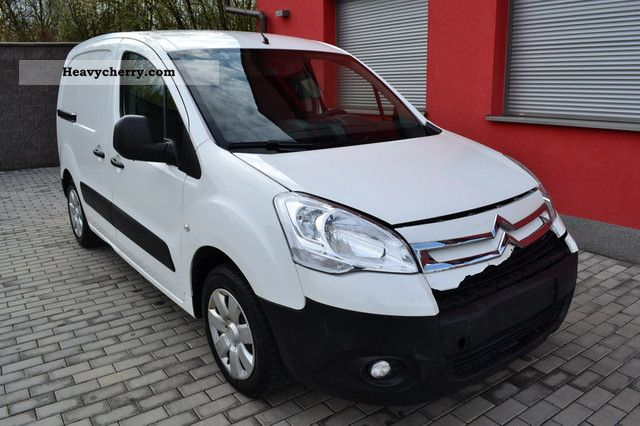 2010 Citroen  Citroen Berlingo 1.6 HDI / KÜHLSYSSTEM WÜKARO / 2010 / Van or truck up to 7.5t Refrigerator box photo