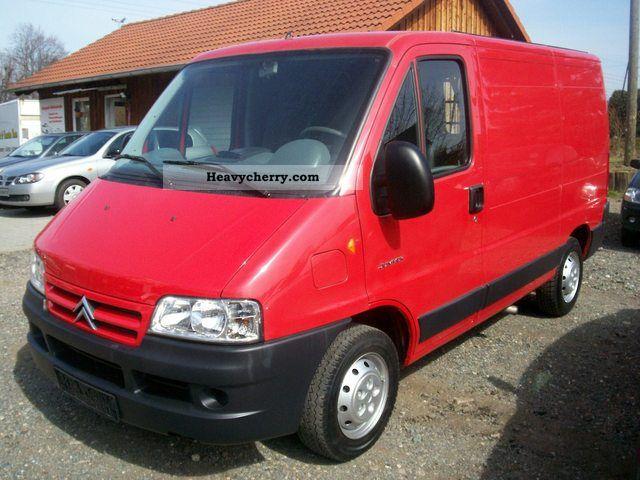 2004 Citroen  Citroën Jumper 1.HAND 82 TKM TUV NEW! Van or truck up to 7.5t Box-type delivery van photo