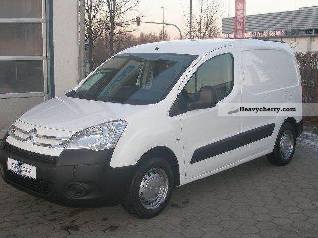 2011 Citroen  Citroën Berlingo HDi 75 L1 Ka Van or truck up to 7.5t Box-type delivery van photo