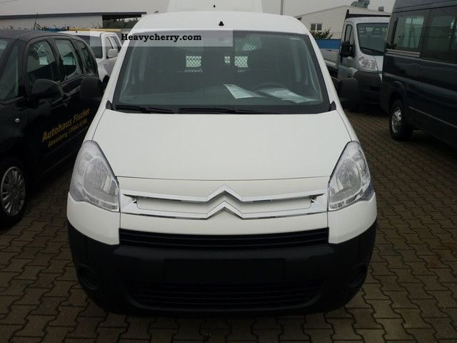 2011 Citroen  Citroen Berlingo KW HDi90 Niv B Van or truck up to 7.5t Box-type delivery van photo