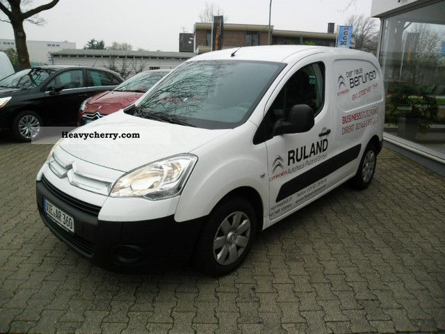 2011 Citroen  Citroen Berlingo HDI 75 Level B Van or truck up to 7.5t Box-type delivery van photo