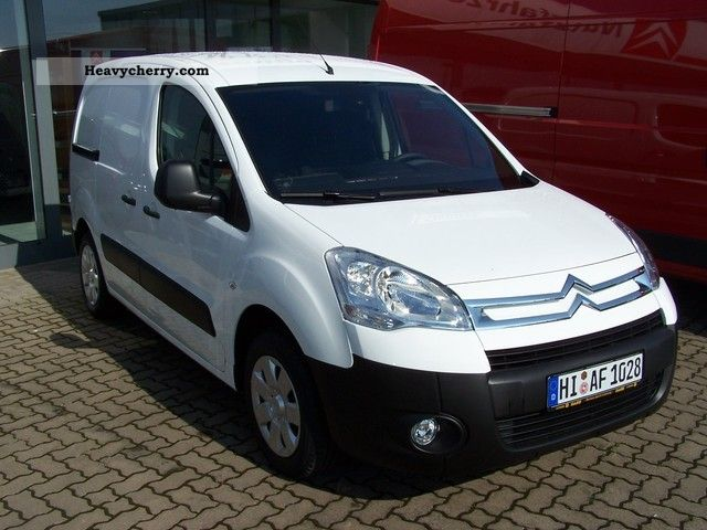 2011 Citroen  Citroen Berlingo L1 1.6 VTi Kawa 95Niveau B Van or truck up to 7.5t Box-type delivery van photo