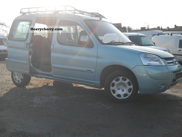 citroen citroen berlingo 1 9 d air 2xdrzwi rozsuwane 2005 other vans trucks up to 7 photo and. Black Bedroom Furniture Sets. Home Design Ideas