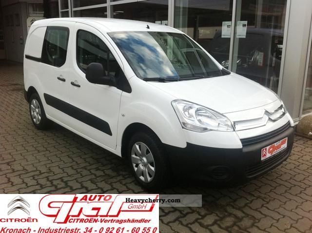 2011 Citroen  BERLINGO Citroën HDi 75 Niv B Van or truck up to 7.5t Box-type delivery van photo