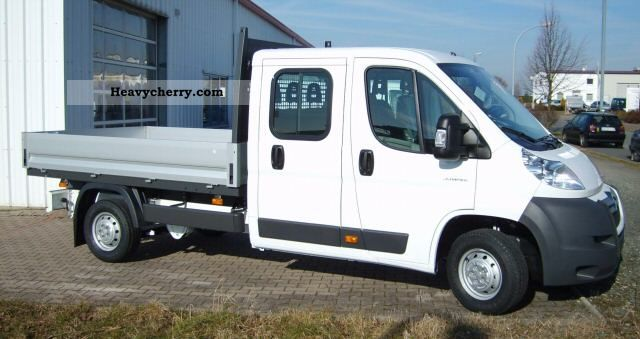 2011 Citroen  Citroën Jumper double cab flatbed 33 L2 HDi 110 Van or truck up to 7.5t Stake body photo