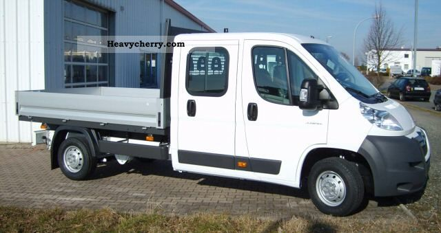 2011 Citroen  Citroën Jumper double cab flatbed 35 L2 HDi 130 Heavy Van or truck up to 7.5t Stake body photo