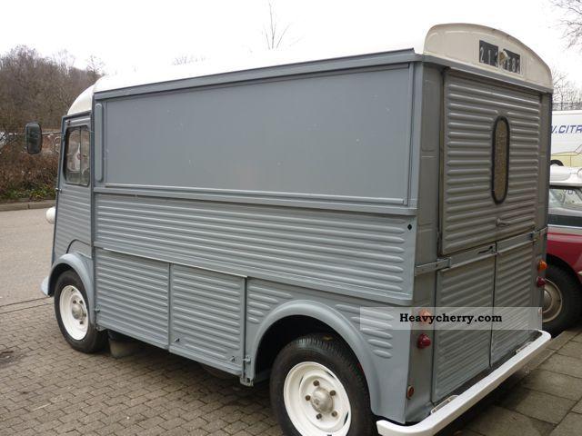 citroen citro n hy van corrugated iron 1955 box type delivery van photo and specs. Black Bedroom Furniture Sets. Home Design Ideas