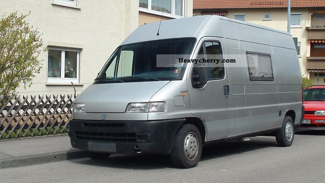 1998 Fiat  Bravo Van or truck up to 7.5t Box-type delivery van - high and long photo