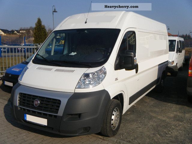 fiat ducato 35 l4h2 120 mj 2011 box type delivery van photo and specs. Black Bedroom Furniture Sets. Home Design Ideas