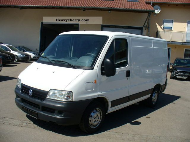 fiat ducato 2 0 jtd 2003 box type delivery van photo and specs. Black Bedroom Furniture Sets. Home Design Ideas