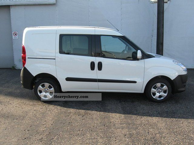 fiat doblo cargo 1 6 multijet sx van euro 5 2012 box type delivery van photo and specs. Black Bedroom Furniture Sets. Home Design Ideas